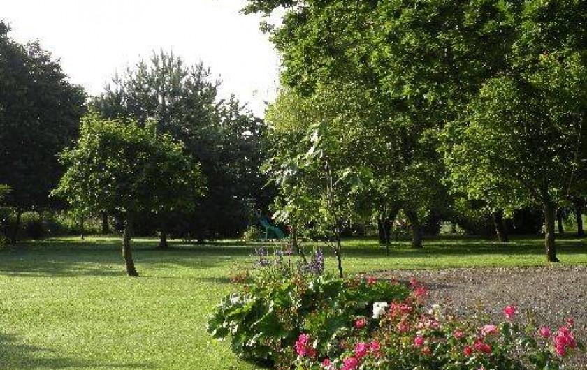 Location de vacances - Maison - Villa à Plouër-sur-Rance - jardin arboré de 3000m² commun