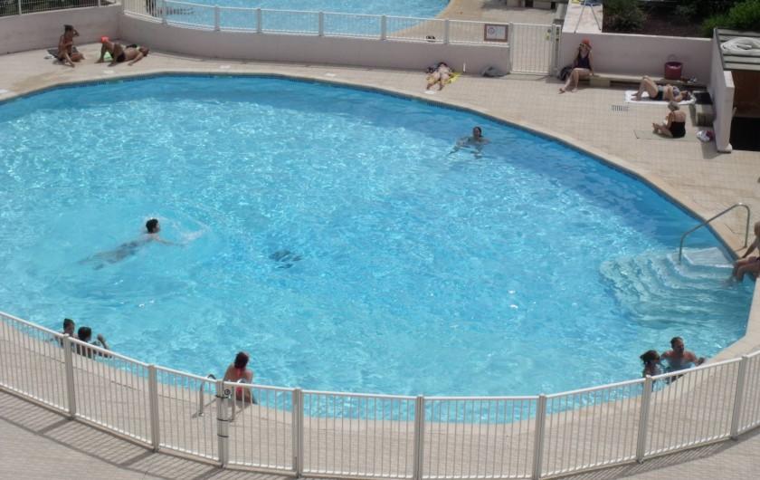 Location de vacances - Appartement à Le Grau-du-Roi - Une piscine pour les grands et une pour les petits de mi juin à mi septembre