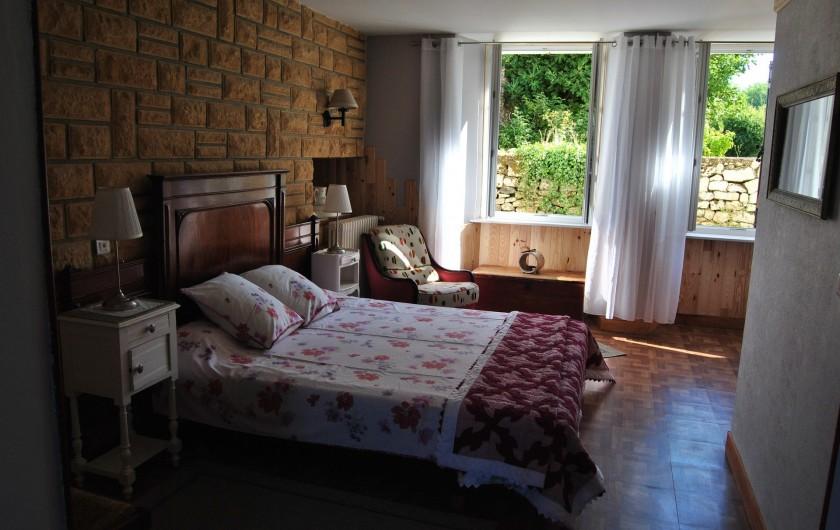 Location de vacances - Chambre d'hôtes à Saint-Avit-Sénieur - La Chambre Les Violettes