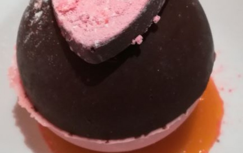 Location de vacances - Chambre d'hôtes à Saint-Avit-Sénieur - un bon dessert au chocolat