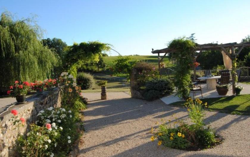 Location de vacances - Chambre d'hôtes à Saint-Avit-Sénieur - La vue du terras