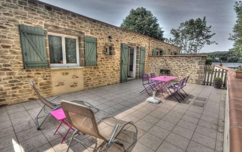 Location de vacances - Gîte à Mazamet - terrasse ensoleillée