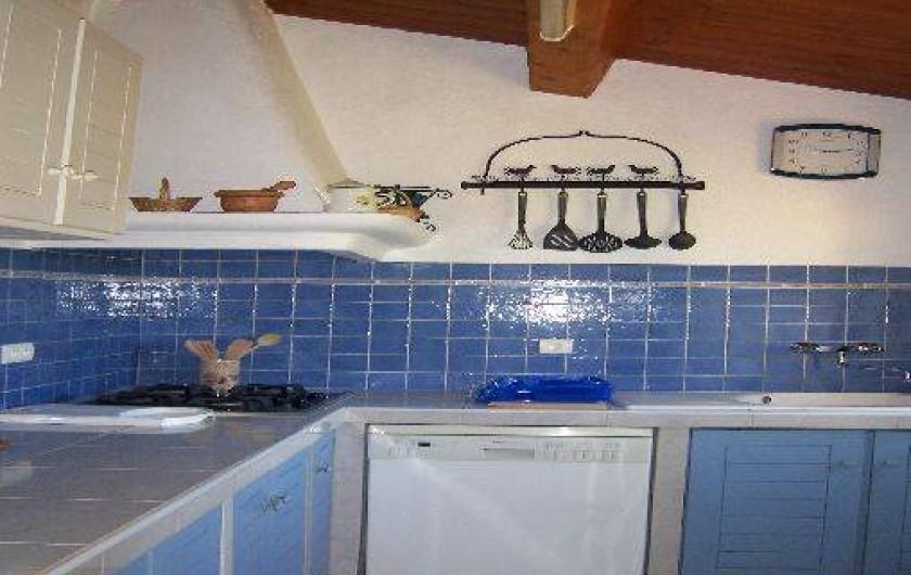 Location de vacances - Villa à La Cadière-d'Azur - cuisine indépendante toute équipée.