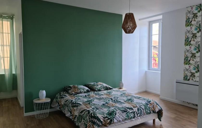 Location de vacances - Gîte à Bournezeau - Chambre tropik 1 lit double + 1 lit bébé