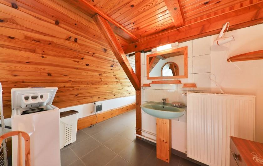Location de vacances - Gîte à Sondernach - La salle de bains du Panoramic