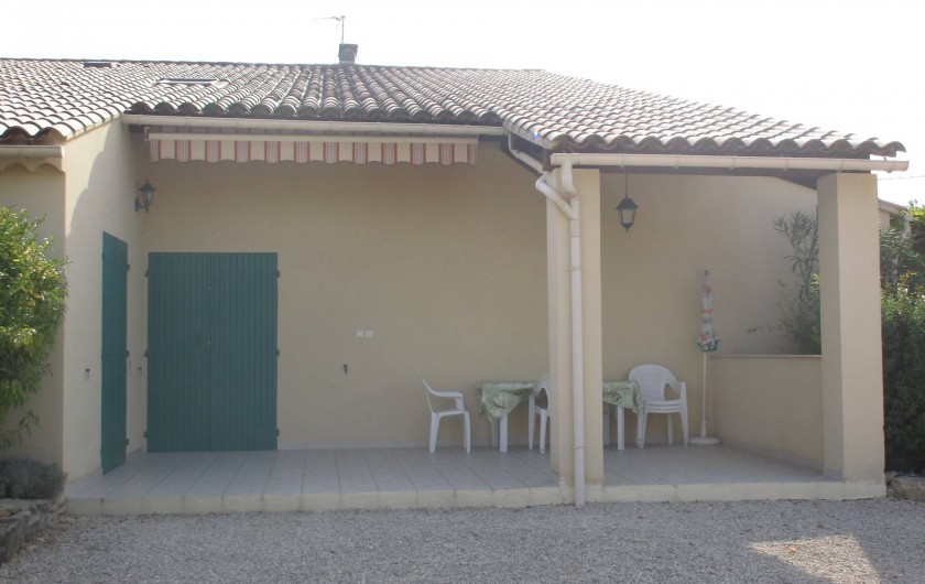 Location de vacances - Gîte à Saint-Romain-en-Viennois - Terrasse Gite 2 semi couverte + Store à manivelle