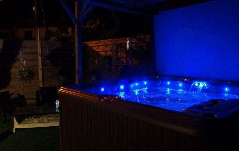 Location de vacances - Villa à Labenne - Spa extérieur utilisable toute l'année
