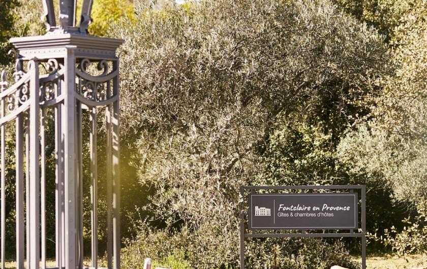 Location de vacances - Mas à Uchaux - Le portail d'entrée
