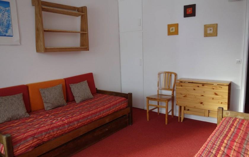 Location de vacances - Appartement à Les Menuires - Chambre 2 lits simples