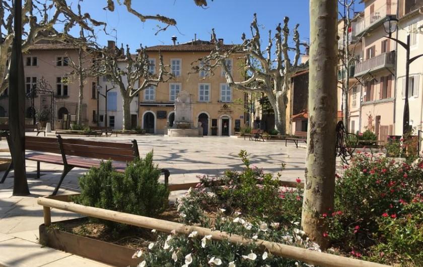 Location de vacances - Appartement à Cassis - Place de la Mairie