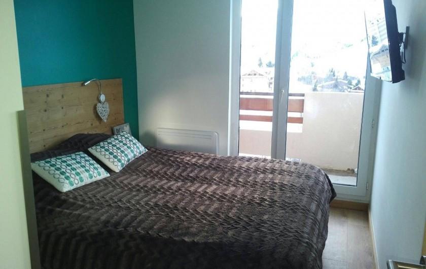 Location de vacances - Appartement à Les Deux Alpes - Chambre lit 160 séparable 2 lits de 80/200+ TV, balcon coté sud. SdD+WC priv