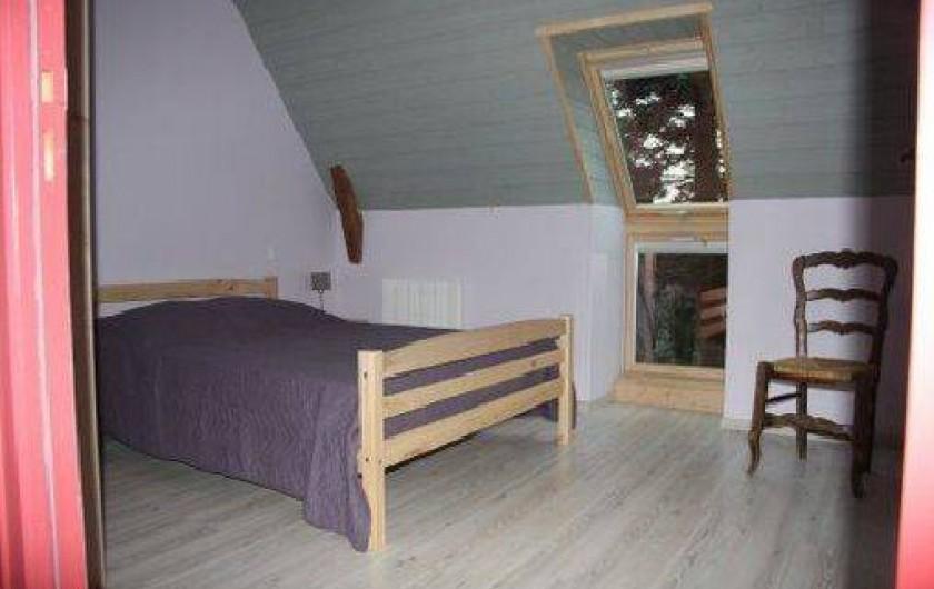 Location de vacances - Gîte à La Tour-d'Auvergne - Chambre 2 étage