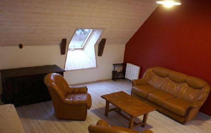 Location de vacances - Gîte à La Tour-d'Auvergne - Salle de détente étage