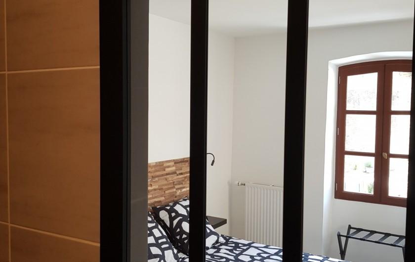 Location de vacances - Appartement à Saint-Montan - Acampadis -salle de bain