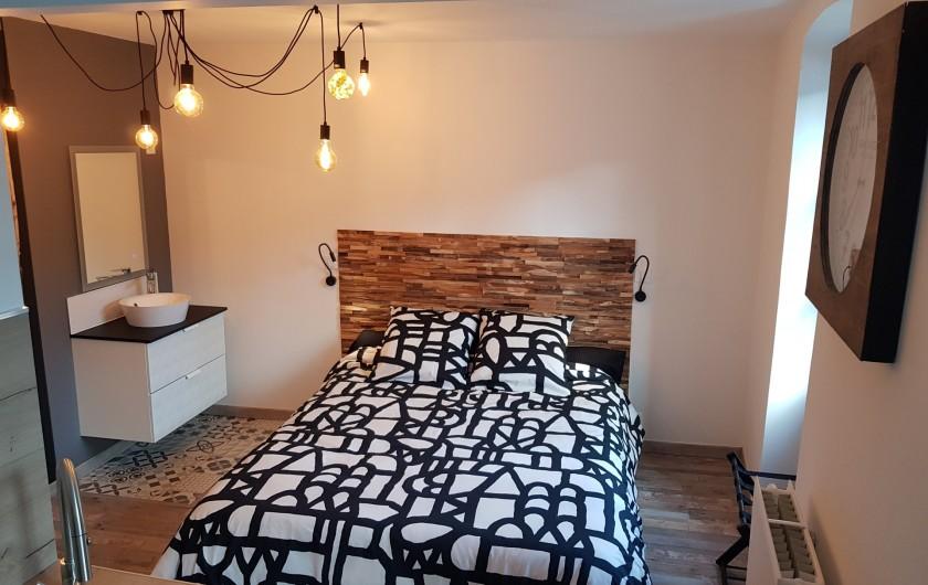 Location de vacances - Appartement à Saint-Montan - Pastourelle -lit king size