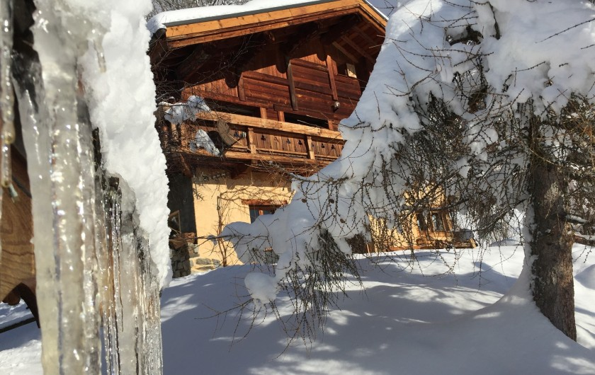 """Location de vacances - Chalet à Servoz - Le """"Chalet du Guide"""" en été."""