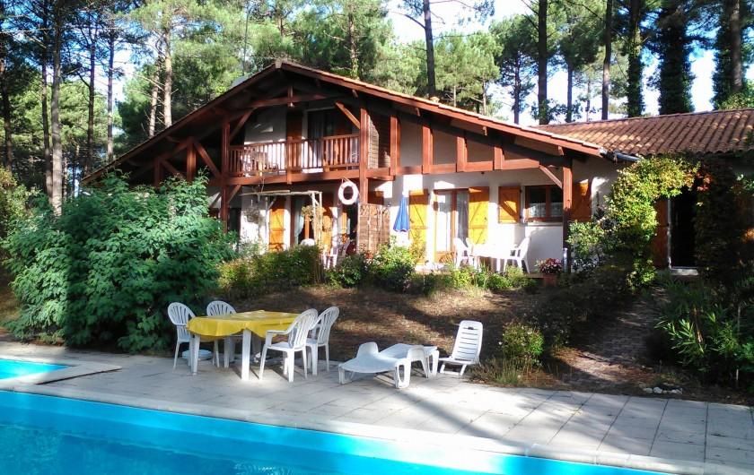 Location de vacances - Villa à Biscarrosse Plage - Maison et Terrasse piscine