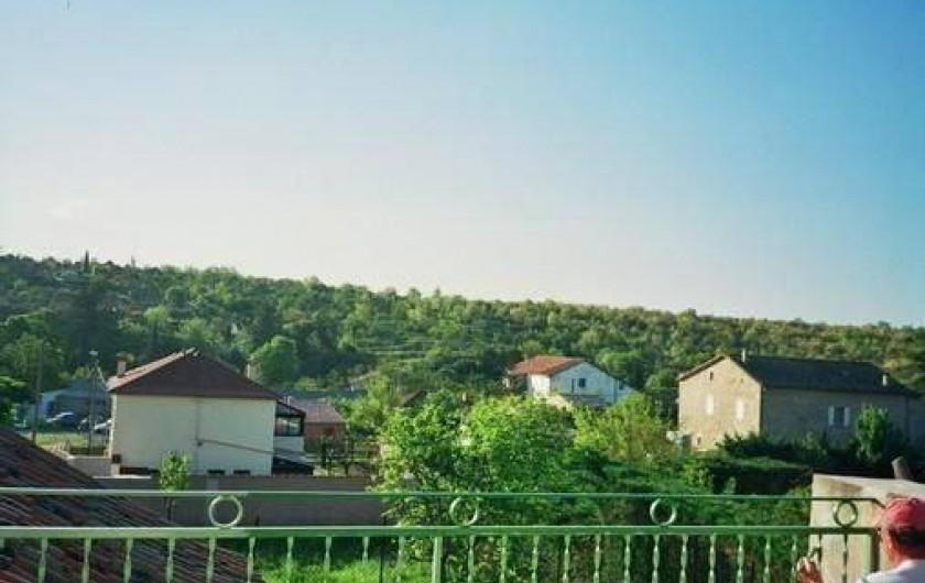 Location de vacances - Mas à Saint-Paul-le-Jeune - vue de la terrasse  (acces par la cuisine )