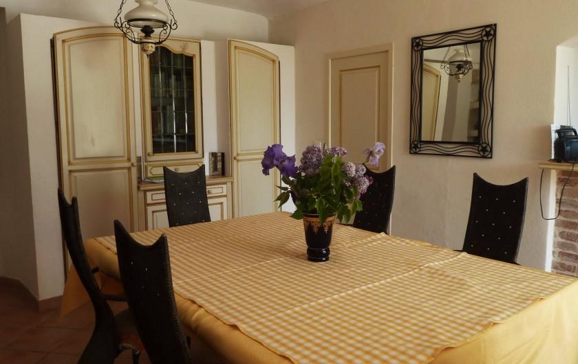 Location de vacances - Mas à Saint-Paul-le-Jeune - salle a manger