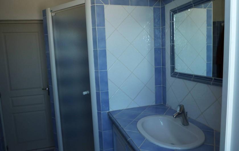 Location de vacances - Mas à Saint-Paul-le-Jeune - salle d'eau (RDC)