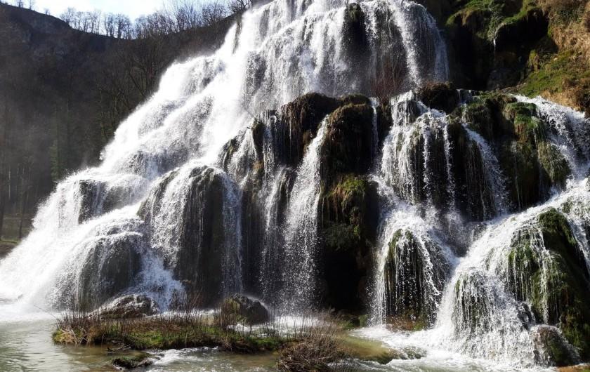 Location de vacances - Gîte à Baume-les-Messieurs - Cascade de Baume