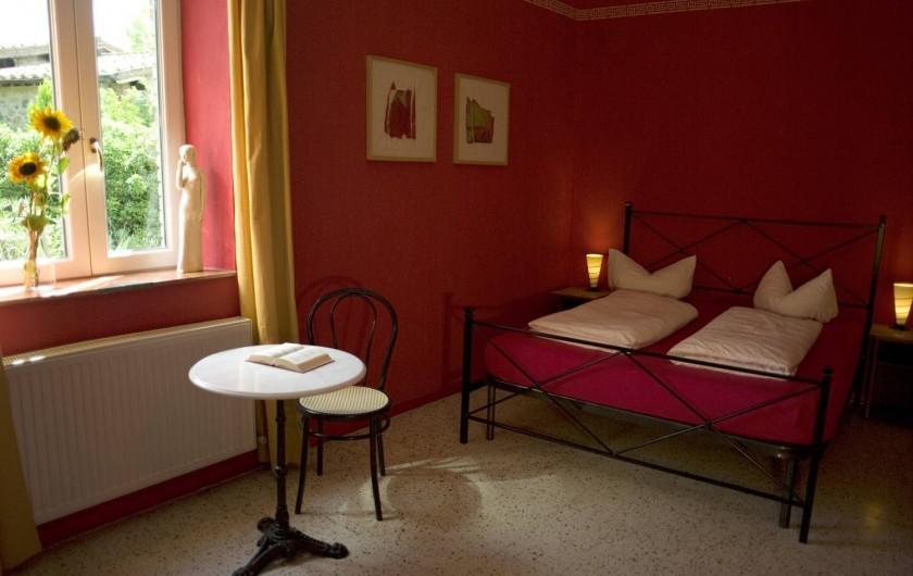 """Location de vacances - Appartement à Castel Rigone - Chambre lit """"Camera rossa"""" dans appt. """"Il Peperino"""" La Rogaia"""