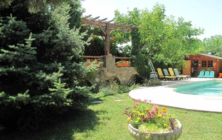 Location de vacances - Gîte à Lapalud - piscine
