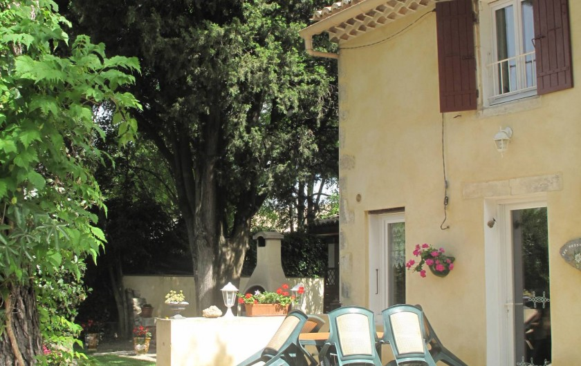 Location de vacances - Gîte à Lapalud - extérieur du gîte