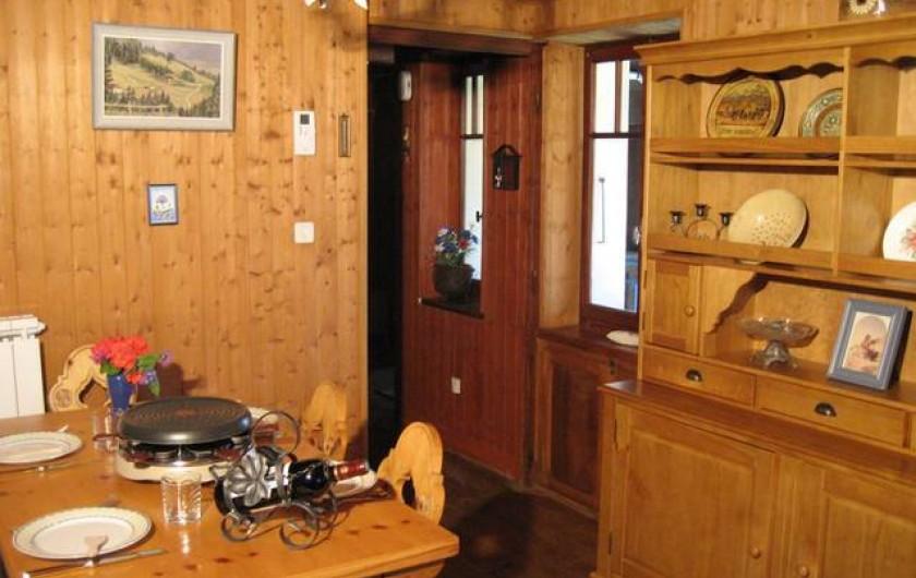 Location de vacances - Chalet à Chamonix-Mont-Blanc - Salle à manger au 1er étage avec balcon