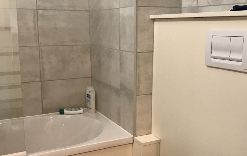 Location de vacances - Appartement à Saint-Sorlin-d'Arves - baignoire indépendante