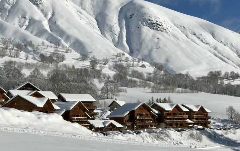 Location de vacances - Appartement à Saint-Sorlin-d'Arves - la résidence vue des pistes