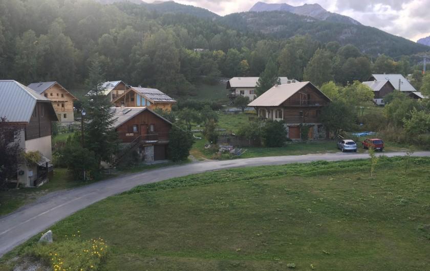 Location de vacances - Appartement à Puy-Saint-Vincent - vue du chalet