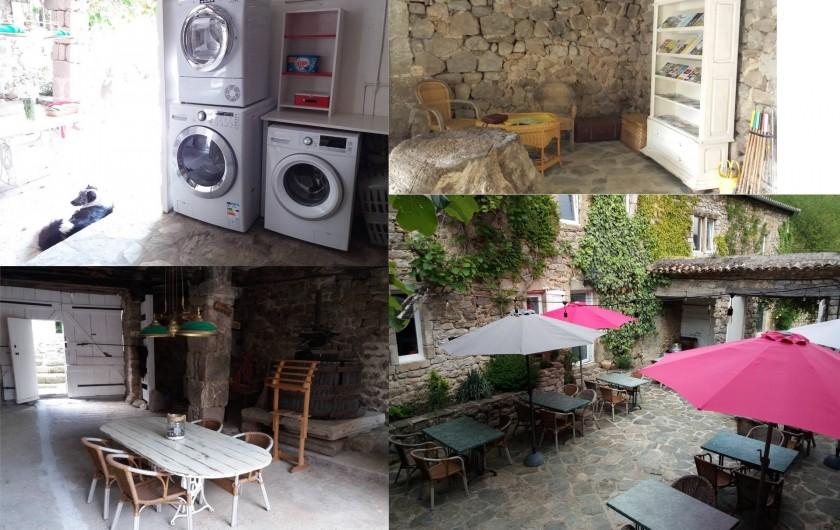 Location de vacances - Gîte à Valgorge - La cour centrale . Un endroit magique ou l'on se restaure.