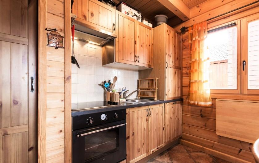 Location de vacances - Chalet à La Joue du Loup - Chalet Céline - Coin Cuisine entièrement équipé