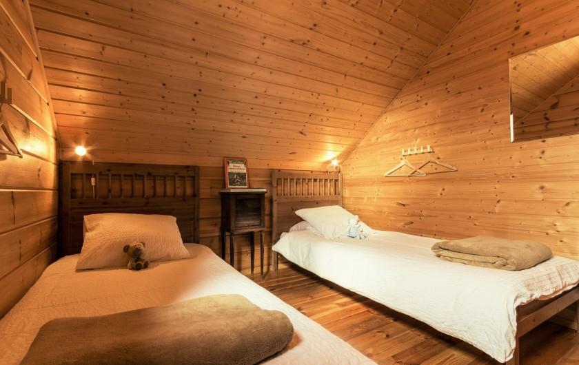 Location de vacances - Chalet à La Joue du Loup - Chalet Céline - Chambre 2 avec 2 lits simples transformables en lit double