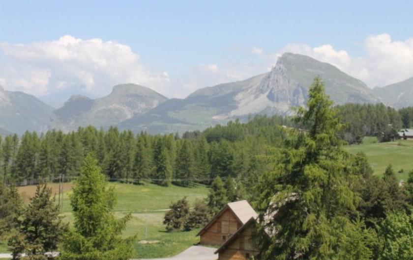 Location de vacances - Chalet à La Joue du Loup - Les Chalets de Céline - Vue depuis les balcons