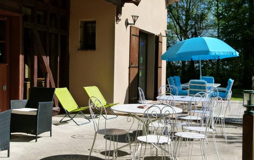 Location de vacances - Gîte à Outines - Terrasse solarium