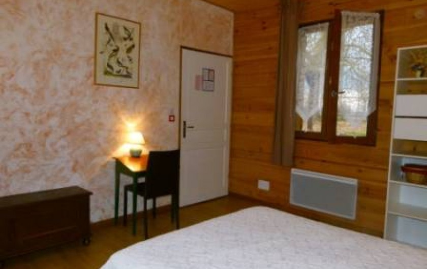 Location de vacances - Gîte à Outines - Chambre les Oies sauvages : 1 lit double + 1lit adaptée PMR