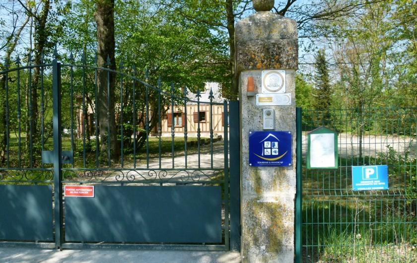 Location de vacances - Gîte à Outines - Accès par portail automatique