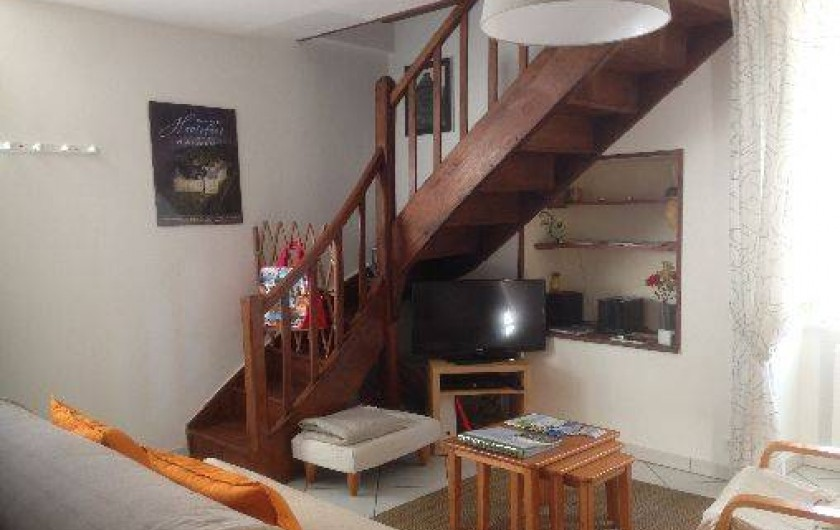 Location de vacances - Gîte à Corgnac-sur-l'Isle - Salon - Pas d'accès à l'étage supérieur ( grenier )