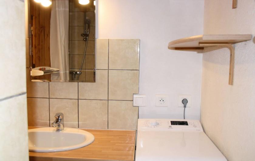 Location de vacances - Chalet à Saint-Hilaire - salle d'eau