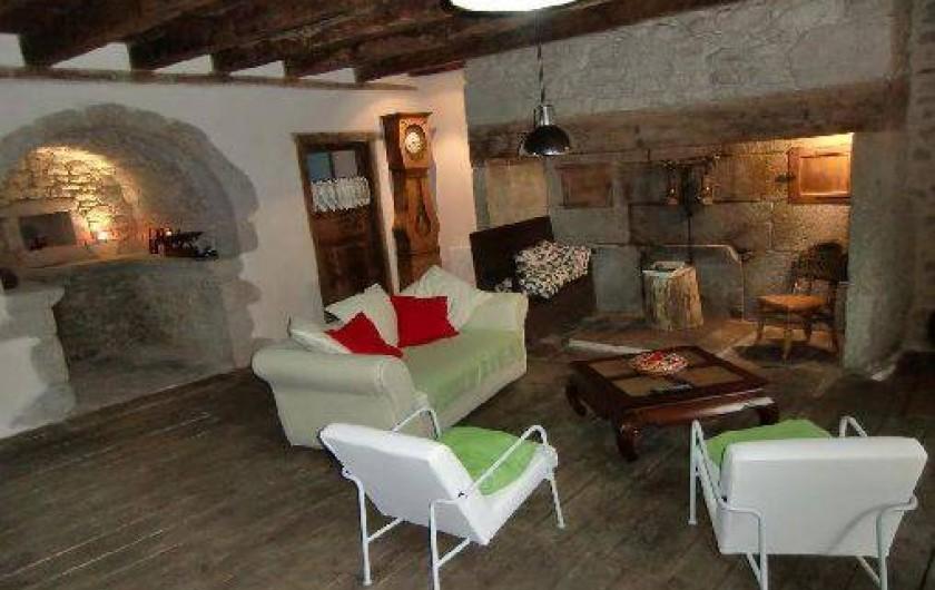 Location de vacances - Maison - Villa à Roumegoux - Salon spacieux