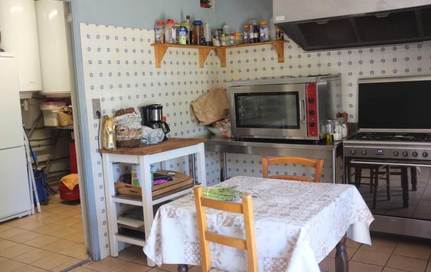 Location de vacances - Mas à Courniou - cuisine