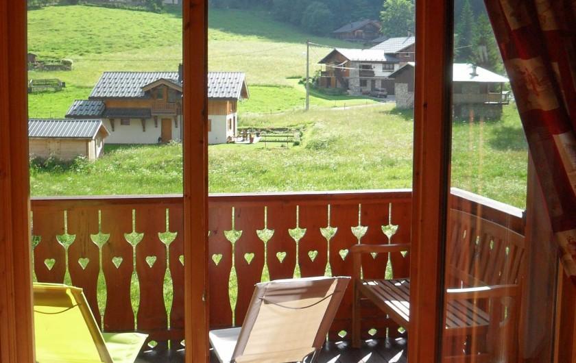 Location de vacances - Appartement à Pralognan-la-Vanoise - La terrasse ensoleillée, face à la montagne sans vis-à-vis avec ses transats