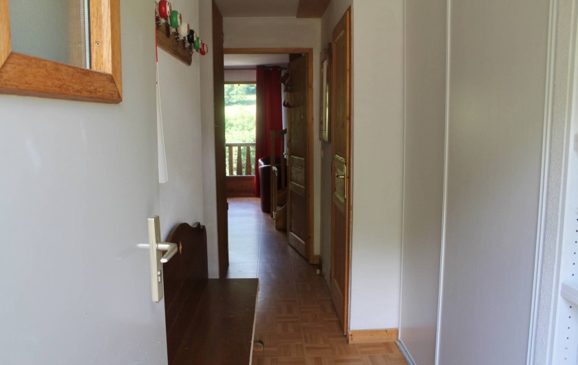 Location de vacances - Appartement à Saint-Sorlin-d'Arves - couloir entrée