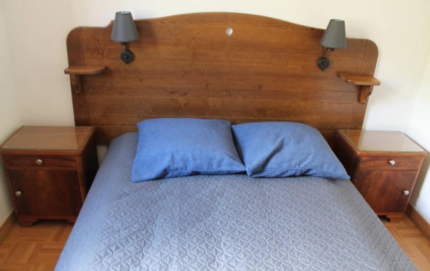 Location de vacances - Appartement à Saint-Sorlin-d'Arves - chambre 1 niveau inférieur 1 lit 140/190