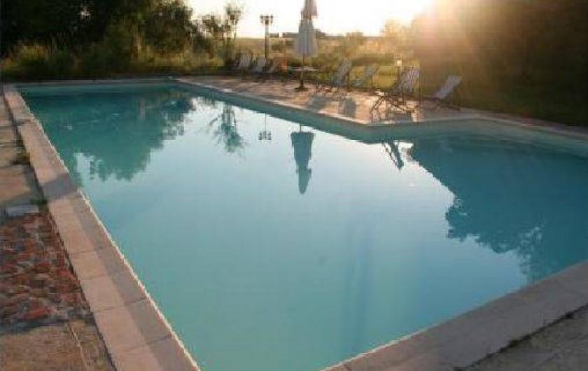 Location de vacances - Gîte à Montbrun-Lauragais - Vue partielle de la piscine au sel