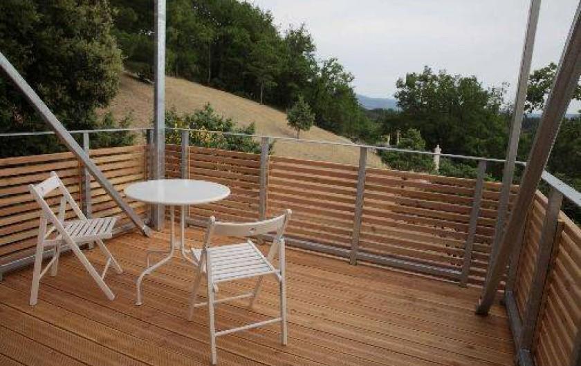 Location de vacances - Gîte à Saint-Saturnin-lès-Apt - Balcon suspendu avec vue