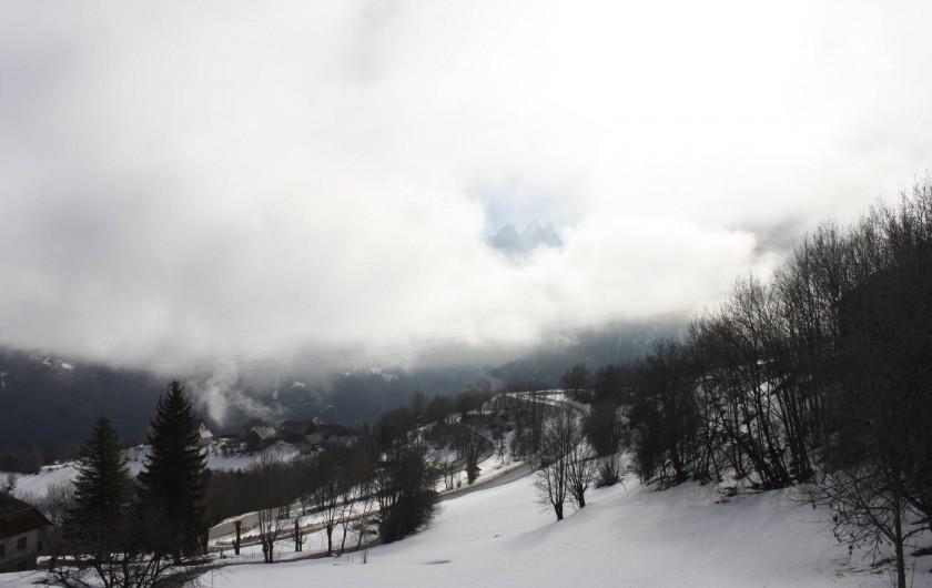 Location de vacances - Chalet à Fontcouverte-la-Toussuire - Vue imprenable sur les Aiguilles d'Arves, même avec les nuages !