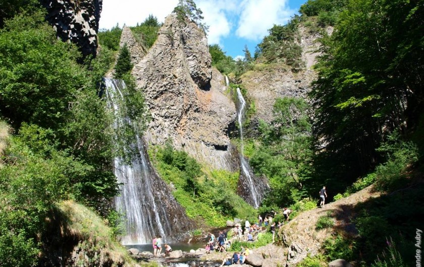 Location de vacances - Camping à Joyeuse - La Cascade du Ray Pic